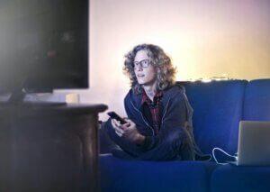 cómo conectar un móvil a la televisión
