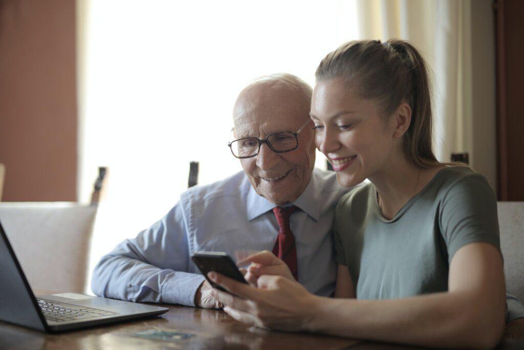 móviles personas mayores WhatsApp recomendados