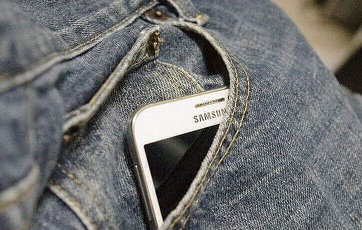 Puede doblarse mi móvil en el bolsillo